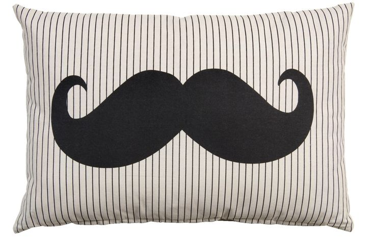 Sierkussen Sam: moustache kus(sen)