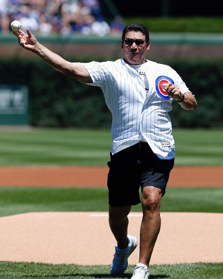 @panthers HC Ron Rivera threw out the first pitch at today's @cubs game! 📷: Nam Y. Huh/AP