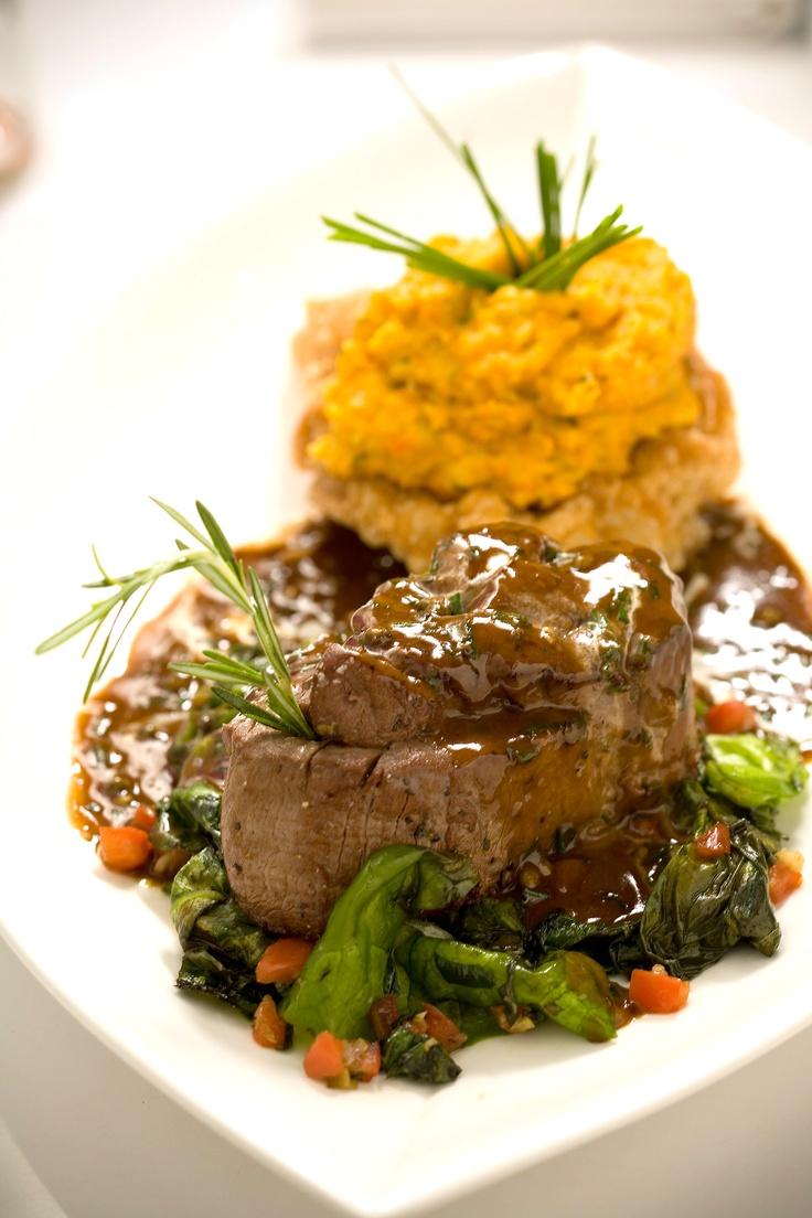 Steak et pommes de terre.  Signature steak dish, with gourmet sweet mashed potatoes!