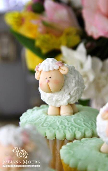 Olha que linda esta decoração Chá de Bebê Ovelhinha.Muito amor por esta fofura!!Imagens Fabiana Moura Projetos Personalizados.Lindas ideias e muita inspiração.Bjs, Fabíola Teles.Mais ideias ...