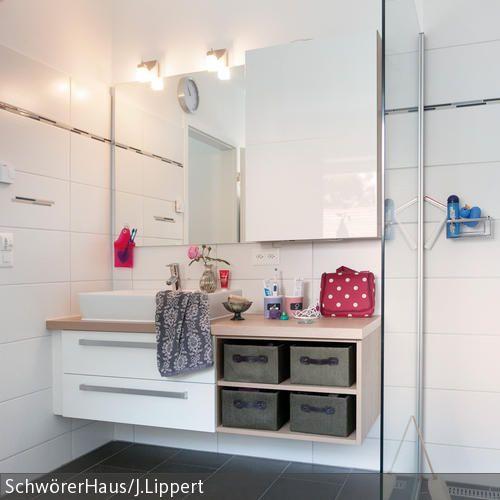 Eine Glasdusche darf heutzutage in fast keinem modernen Badezimmer mehr fehlen. Dieses Modell ist zusätzlich noch ebenerdig, sodass der Einstieg kein Problem…