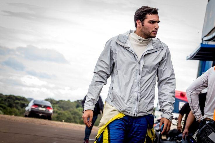 O último fim de semana não foi apenas de triathlon. O piloto Raphael Campos, também atleta patrocinado pela Companhia Athletica Curitiba, acelerou nas pistas de corrida e conquistou o quinto lugar na Sprint Race, mesmo depois de sofrer um acidente. A etapa ocorreu no Autódromo Internacional de...