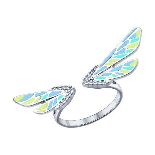Похожее на стрекозу серебряное кольцо с эмалью и фианитами станет приятным воспоминанием о тёплом лете. Энтомологическая тематика снова актуальна. Украшение необычной формы, напоминающее старинные ювелирные изделия, выглядит винтажно и в то же время современно. Оно украсит летние образы и сделает более нежными коктейльные наряды.
