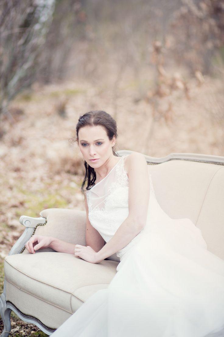 Styling Setting: Thanea, MUAH: Kimberley Megens, Model: Rikie Vos, Bruidsjurk: Mariage Bruidsmode, Fotografie: Jessica Fotografie