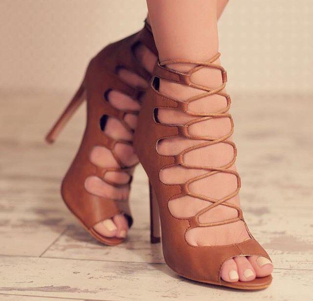 lola fae feet
