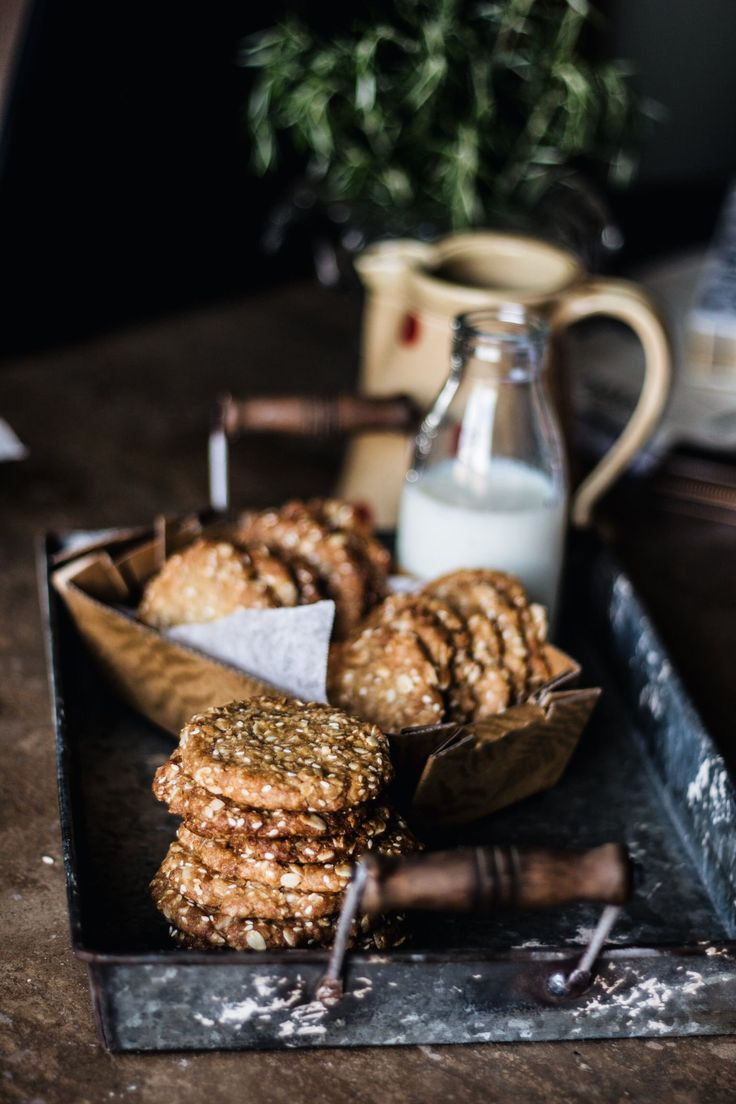 Orange, Macadamia & Sesame Oatmeal Cookies viaThe Food Federation #recipe