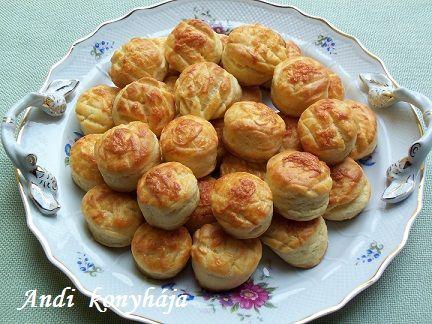 Egyszerű sajtos pogácsa - Andi konyhája - Sütemény és ételreceptek képekkel