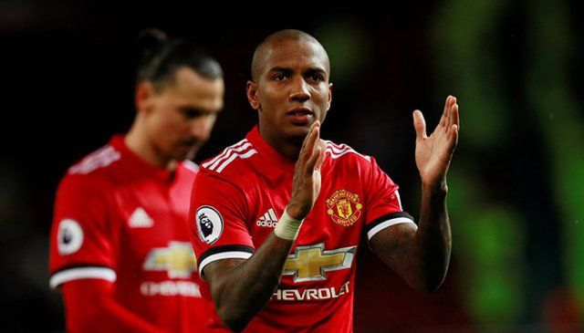 Manchester United maintain pressure with win Tottenham held at home | Sports