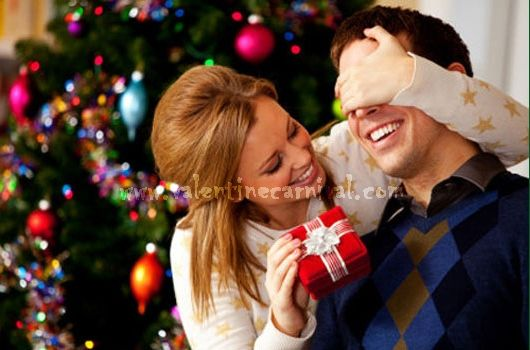 Find the best Christmas gifts ideas for men and add a hint of surprise and fun to your Christmas celebration. Implement Christmas gift ideas for men and earn admiration from your boyfriend.