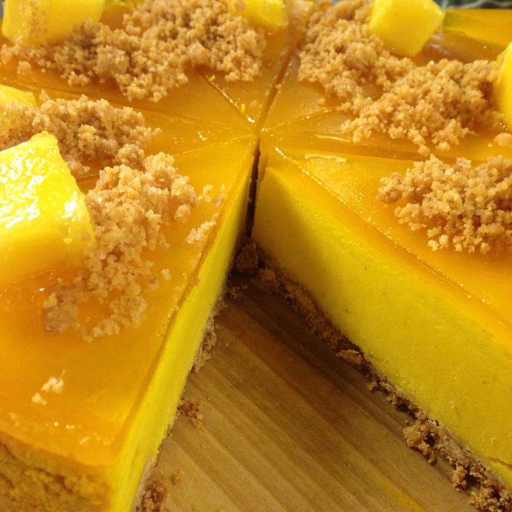 #mango #cheesecake #NYcheesecake #yellow #argirispapastavrou #chefpatissier #healthy #jelly   Baked New York cheesecake style with fresh mango and cream cheese topped with jelly of mango by chef patissier Argiris Papastavrou