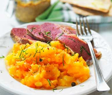 Rotmos (turnip, carrot and potato mash; a classic and typical swedish side dish)
