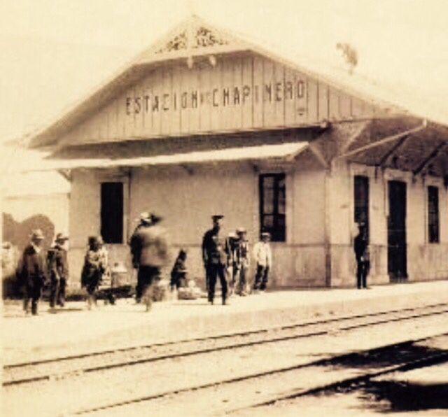 Para este #jueves les tenemos esta #foto de la Estación de #Chapinero en 1915 . #TBT #tbtchapinero02 #Bogota