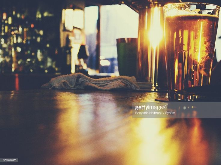 Photo : Pint Of Beer On Bar Counter