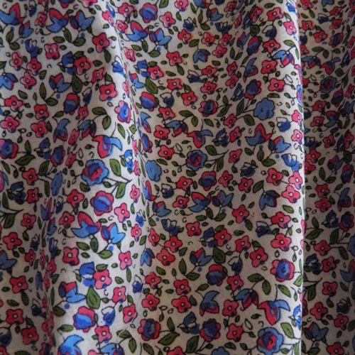 Tissu voile de coton fin et léger fond blanc motifs par Mlleenjupon