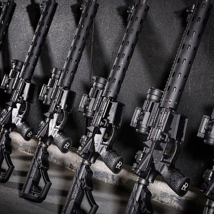 From @danieldefense ・・・ Kudos to the Santa Ana Police Department for equipping every patrol car with a Daniel Defense M4. #lawenforcement #gun #guns #gunporn #gunsdaily #gundose #weapons #weaponsdaily #bossweapons #badass #sickguns #2a #tagforlikes...