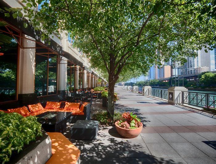 Chicago River restaurants