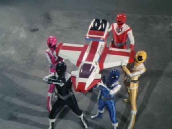 特撮名言bot @tokusatu_bot 10月10日  見たか!ショットボンバーに代わるマスクマンの必殺武器・ジェットカノン!光戦隊の友情と力と…オーラパワーを結集した力を今、見せてやる!(光戦隊マスクマン/第29話/レッドマスク)
