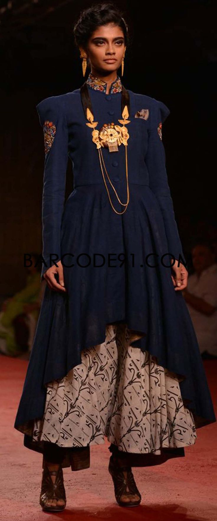 http://www.barcode91.com/designers/anju-modi.html   Anju Modi collection at PCJ Delhi Couture Week 2013