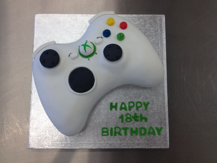 An amazing 3D XBox controller cake (by the very talented Ruth)