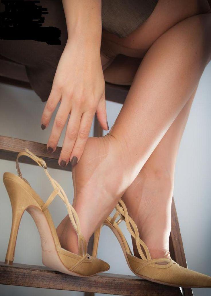 #feet #nylons #heels