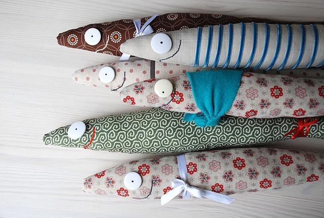 Cool sardines...: Food Recipes, Idea, Sardine Food, Kids Stuff, Le Sardine, Fish Crafts, Fabrics Fish, Pillows, Fish Toys