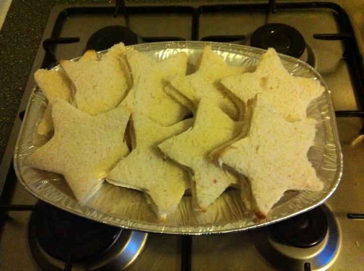 Ster sandwiches met kruidenkaas, voor kerstdiner op school