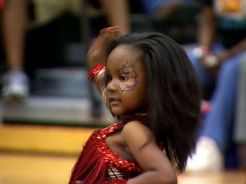 Bring It!: Stand Battle: Baby Dancing Dolls vs. Diva Time Premiere Steppers (S1, E11) - YouTube