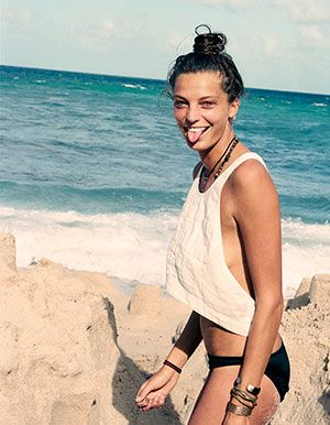 Catch the wave: How to get surfer-girl hair like Daria Werbowy's windblown topknot