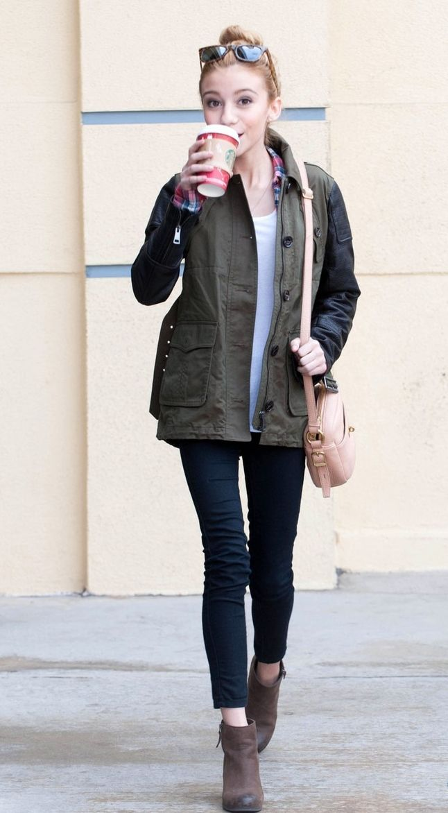 g hannelius love her she's so amazing especially when she gets Starbucks!!