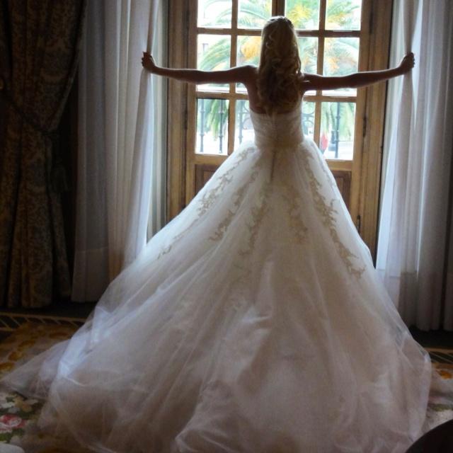 Esperando la hora. Mi vestido de novia. My wedding dress #SMWedding