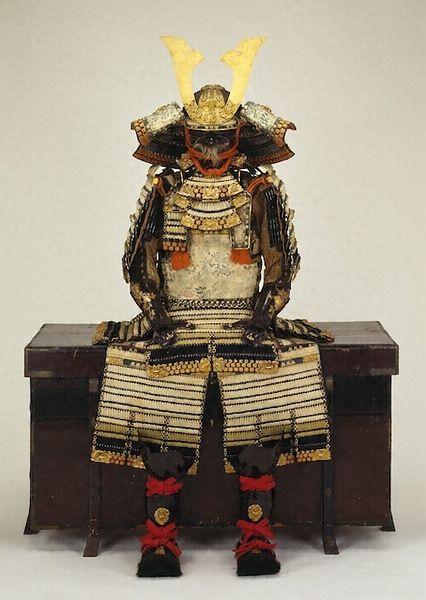 白萌黄紺段絲威大鎧 文化遺産オンライン