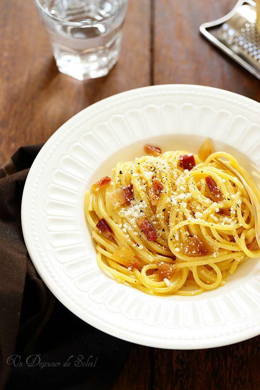 Pâtes à la carbonara, la vraie recette italienne (et trois secrets pour la réussir)/ces pâtes sont non seulement mythiques, pleines de souvenirs de ma vie en Italie et à Rome mais surtout délicieuses, à portée de tous et vraiment