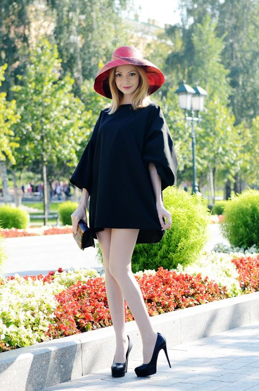 #black #dress #hat #style #fashion #streetstyle