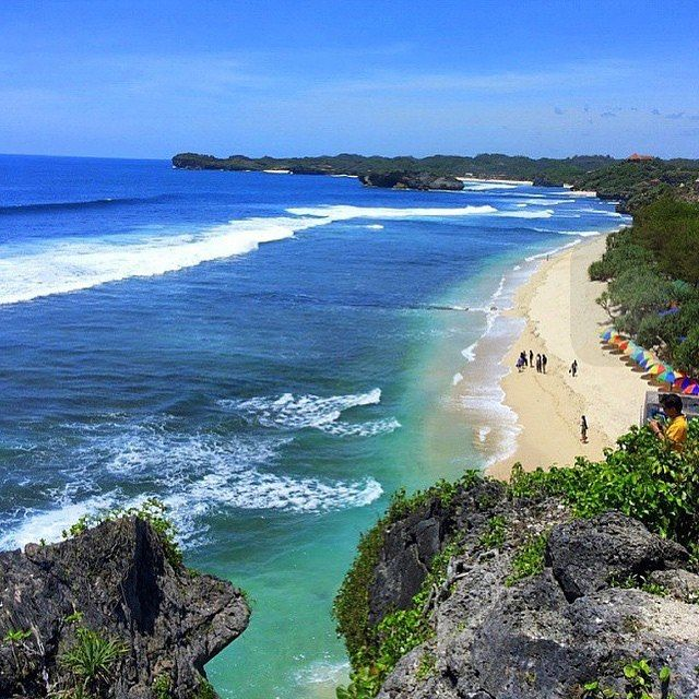 Location: Pantai Indrayanti, Yogyakarta Photo by: @sukamain_