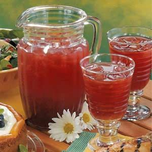 Raspberry Iced Tea Recipe - will have to try this as it is my favorite iced tea flavor behind lemon sweet tea.