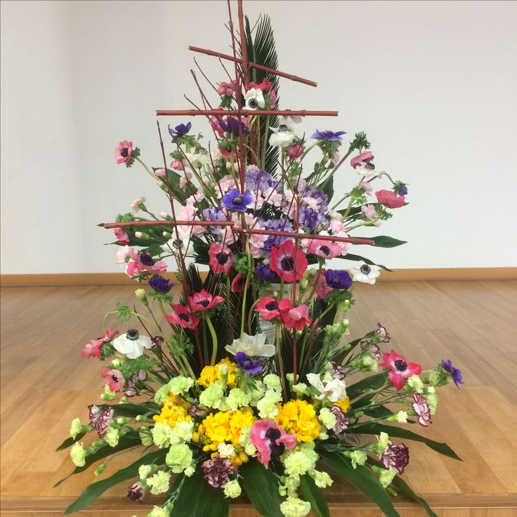 2017.4.2. This week's church flower decoration. Red and purple color anemones and white color carnations.