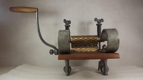 Bild 4 - Bonbonwalzen Bonbonmaschine Bonbonwalze Bonbonfabrikation candy cutter machine - Hagen