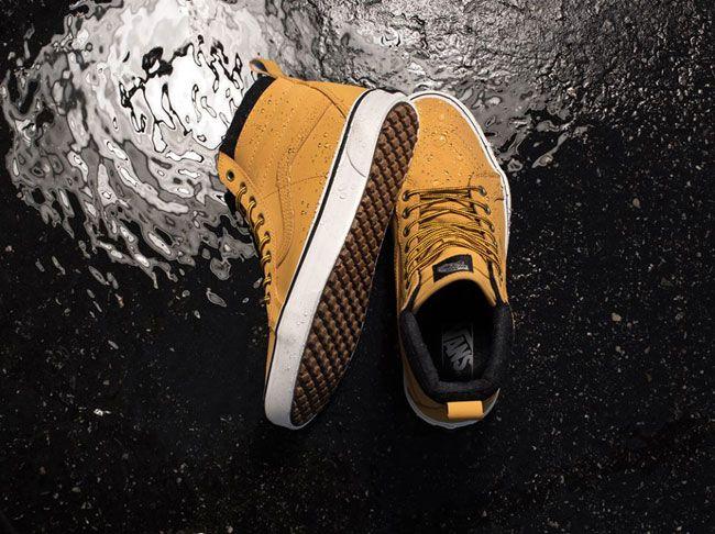 Le scarpe Vanssi rinnovano nella collezione invernale grazie alla scelta di colorazioni vivaci che rendono questi modelli di scarpe sportive ancora più intriganti e di tendenza. Le celebri sneaker...
