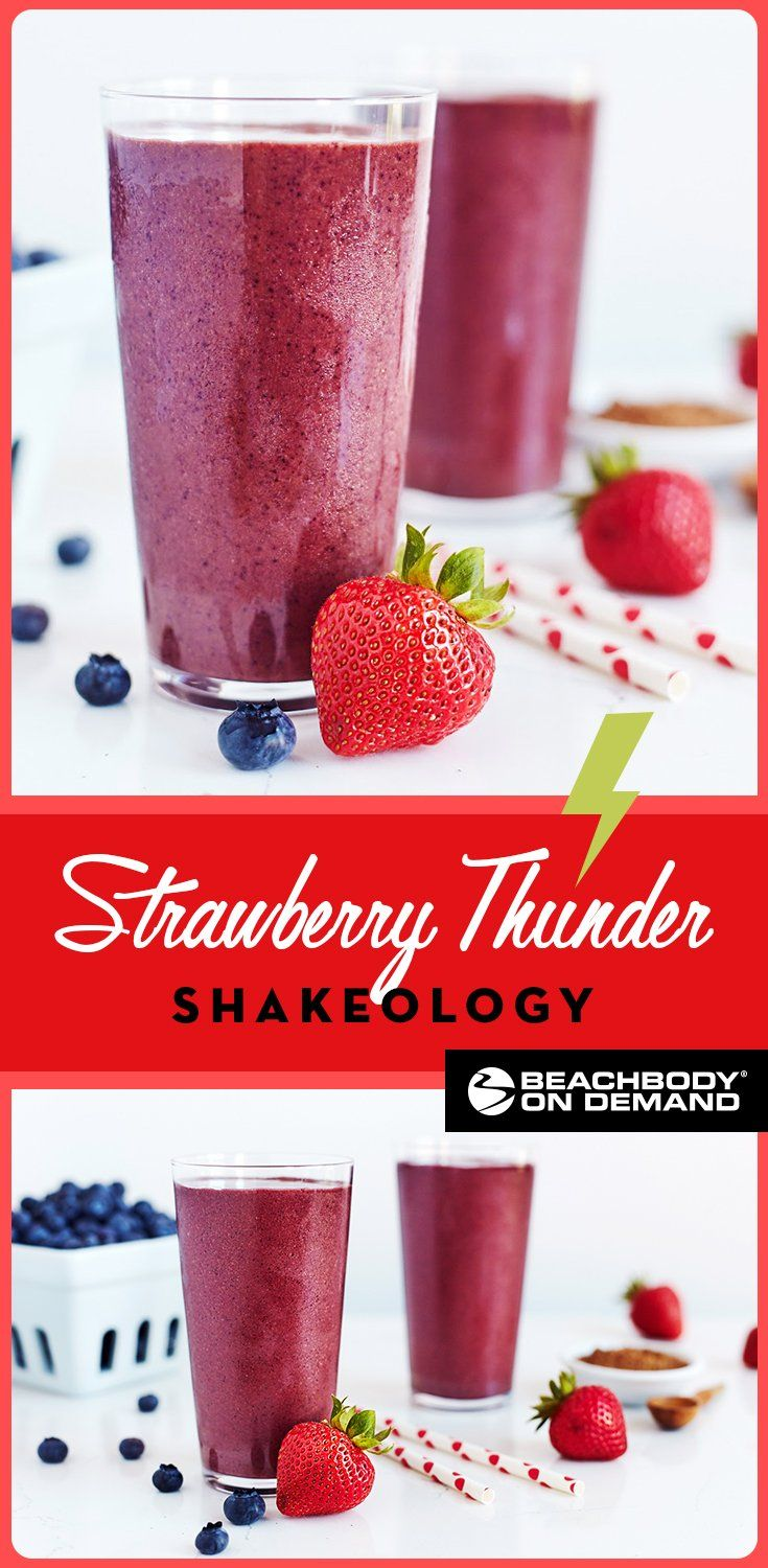 Chocolate-dipped strawberries are the decadent inspiration for this Strawberry Thunder Shakeology smoothie recipe made with strawberries, blueberries, and chocolate. // shakeology recipe // best shakeology recipes // healthy smoothie recipes // Beachbody // Beachbody blog // #shakeology #smoothierecipe #strawberrysmoothierecipe #21dayfix