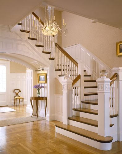 Chic. Traditional white and wood staircase