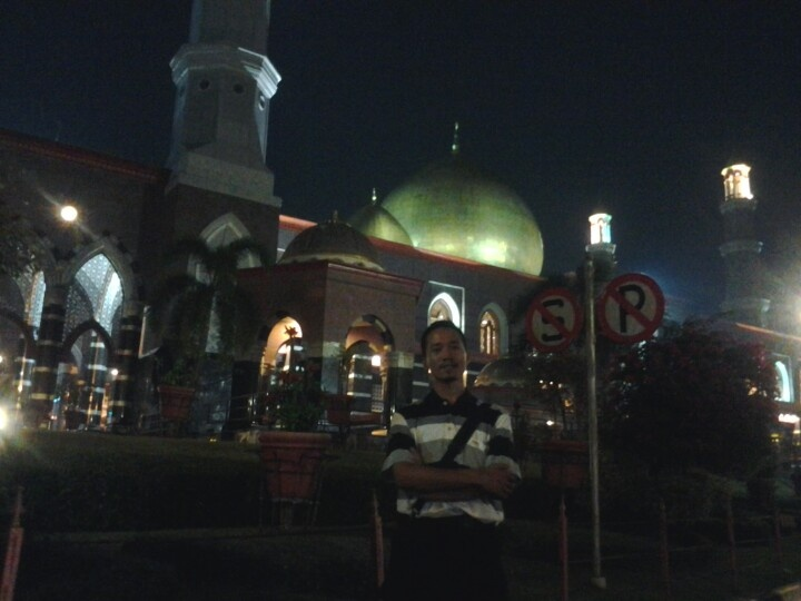 Golden Dome Mosque in Depok West Java, The Beautiful Mosque when I visited Depok and very proud to come and pray in this place