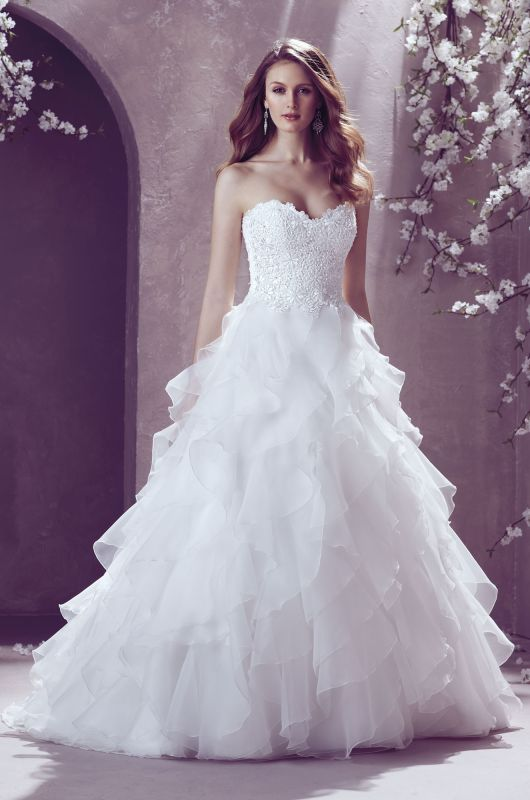 Amazing Guipure Lace and Organza Wedding Dress Strapless sweetheart beaded lace bodice with full ruffled organza skirt Style Mikaella Bridal Wedding Gown My
