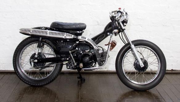 Honda CT110 Postie | Garage Night