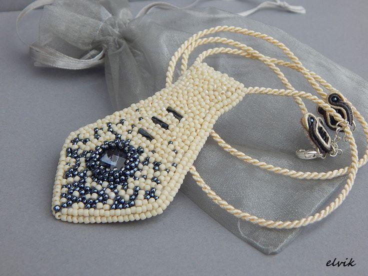 Slips necklace. More at: https://www.facebook.com/soutache.elvik