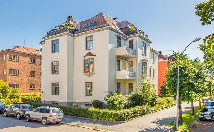 FINN – Frogner - Hele 2. etasje (245 kvm) i representativ og vakker bygård fra…