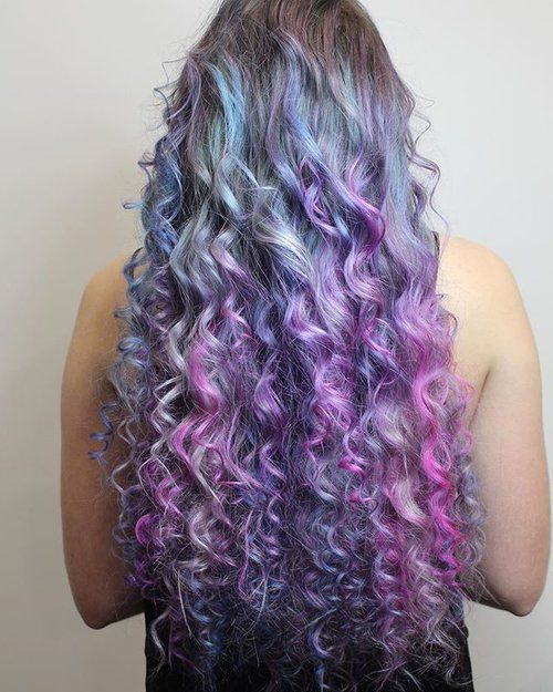 """Who loves this """"Mermaid Twist"""" by Sophie Williams? The recipes and technique she used to create this look are on our Facebook page! 🧜🏽♀️💜🌈 #lusthairnz #mermaidhair #purplehair"""