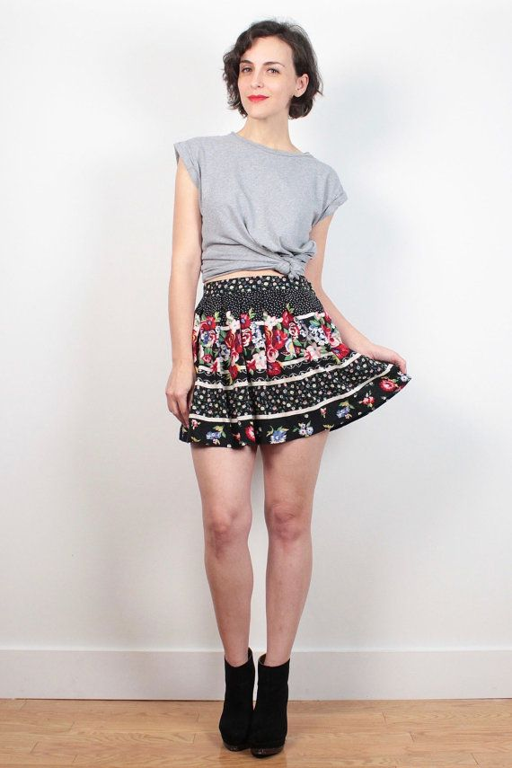 Vintage 1980s Skirt Black Red White Floral Print Striped Mixed Print Skater Skirt 80s Skirt High Waisted Skirt Micro Mini Skirt XS S Small #vintage #etsy #1980s #80s #mini #skater #skirt #floral