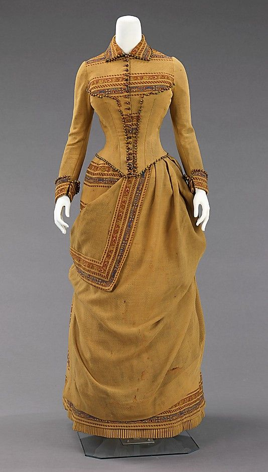 Wool and beads ensemble, 1885