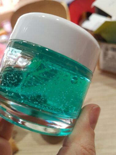 Use: FaceItem Type: CreamFeature: MoisturizingIngredient: hyaluronic acidBrand Name: SOONPUREGender: FemaleNET WT: 60g