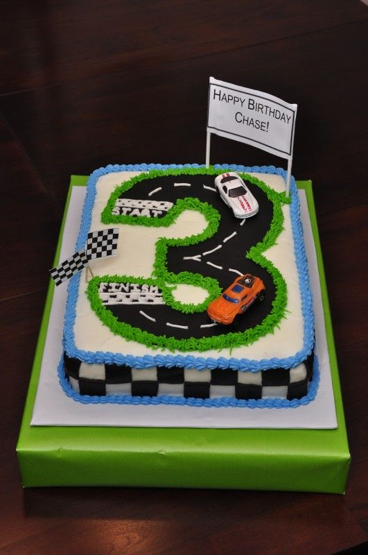 Best 25 Race track cake ideas on Pinterest Car birthday cakes